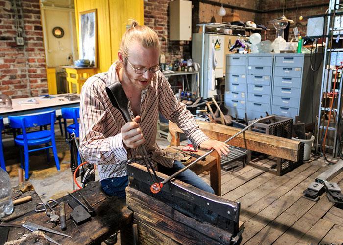 Стеклянные изделия ручной работы вы найдете в переулке Святой Катарины