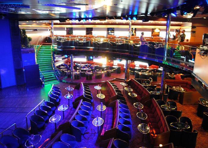 Развлечения на пароме: клубы, казино, видо игры