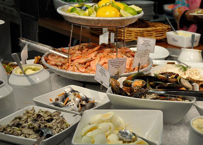 Питание на пароме: морепродукты