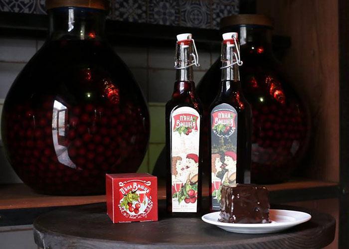 Сувениры из Львова: Пьяная Вишня