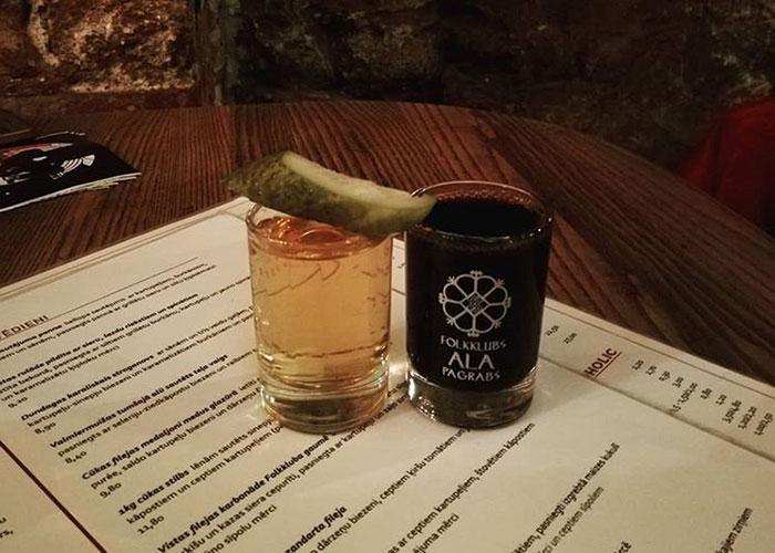 Дегустируем рижские наливки и коктейли