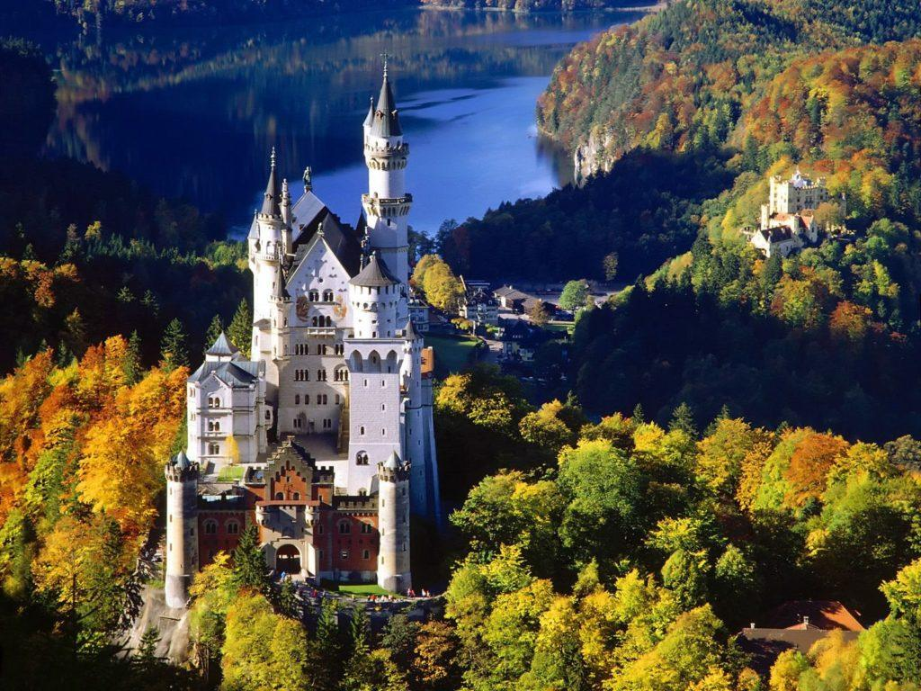 Германия Нойшванштайн