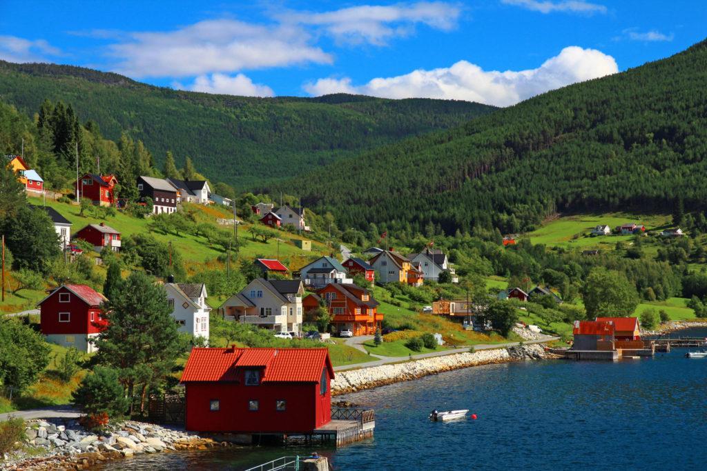деревушка Гудванген на Нерей-фьорде