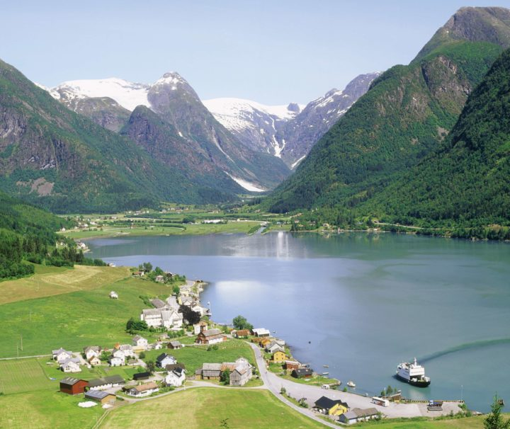 Нерей фьорд Норвегия