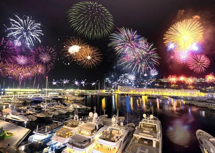Новогодний фейерверк в Монако